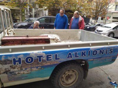 Το ΣΚ που περασε κλεψανε στην Θεσσαλονικη το επαγγελματικο μου αυτοκινητο με αρ. κυκλοφοριας ΧΚΗ 5423 φορτηγακι λευκο μαρκας TOYOTA HILUX 2,4 DIESEL μοντελο 95. Αγροτικό- Θεσσαλονίκη